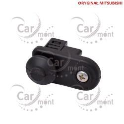 Włącznik krańcowy / dociskowy oświetlenia - Pajero III IV - 8608A145 MR271892 - Oryginał